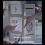 Publicidad MERCADO LIBRE - Cajas (¿el voto reciclable?) - Brandoni y Flor Peña